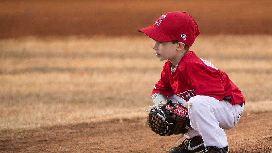 5 Great T-Ball Gloves for Toddlers and Young Kids